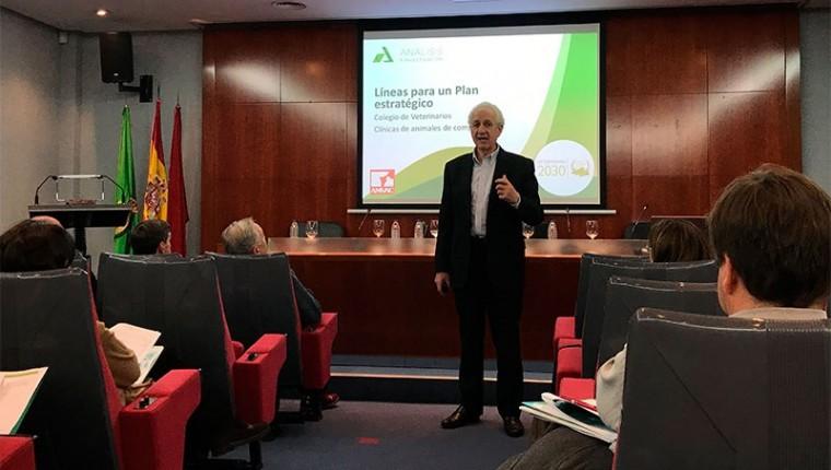 Presentada la actualización del plan estratégico de la profesión veterinaria, en la asamblea general de colegiados